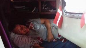 Jakob vækkes på sengen