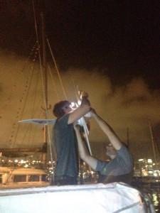 Jakob og Martin fikser vindmølle