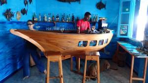 Disken i cafeen udformet som et skib