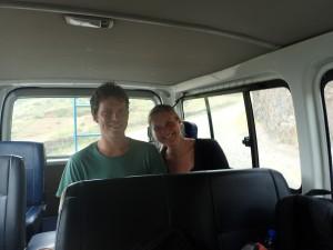 Martin og Terese i bussen som vi kørte rundt i på St Antao