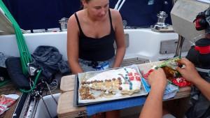 Vi pynter kage til Martin