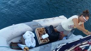 Udbringning af morgenbrød til sejlerne