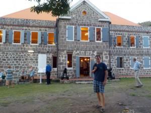 Martin foran Fort Shirley, hvor vi spiste middag senere