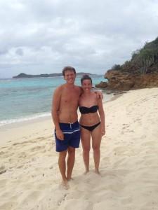 Martin og Kristine på en af de smukke strande