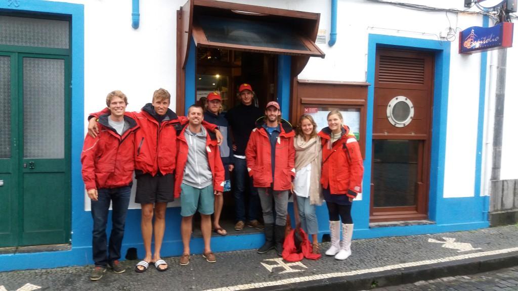 Ude at spise med Bellona. Fra venstre: Martin, Christian, Jesper, Jens, Mads, Nikolaj, Esther og Terese